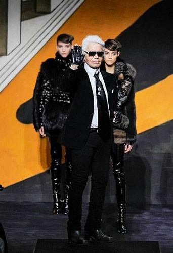 """Public Buzz : Photos : Karl Lagerfeld et son défilé Fendi """"Haute Fourrure"""" taillés en pièce !"""