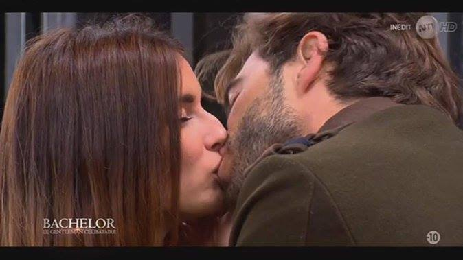 10- Bachelor : Marco embrasse (enfin) Shirley, les photos du french-kiss !