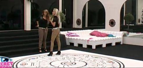 Marie explique à Aurélie qu'elle veut partir !