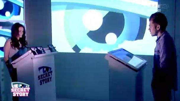 Capucine face à Yoann dans la Salle des Aveux