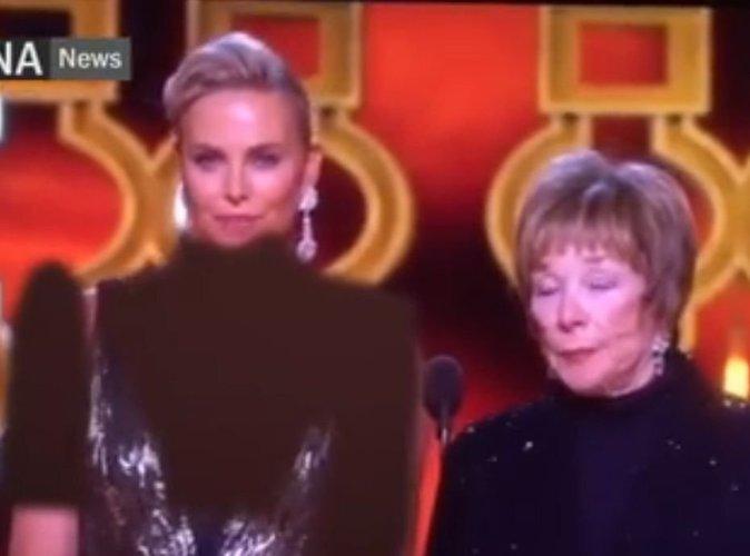 Oscars 2017 : Vidéo : Charlize Theron : Son décolleté flouté par la télévision iranienne