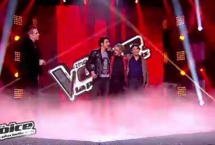 Garou chante avec ses trois élèves