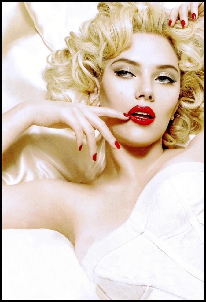 Scarlett Johansson, plus sexy que jamais en Marilyn sensuelle. Top !