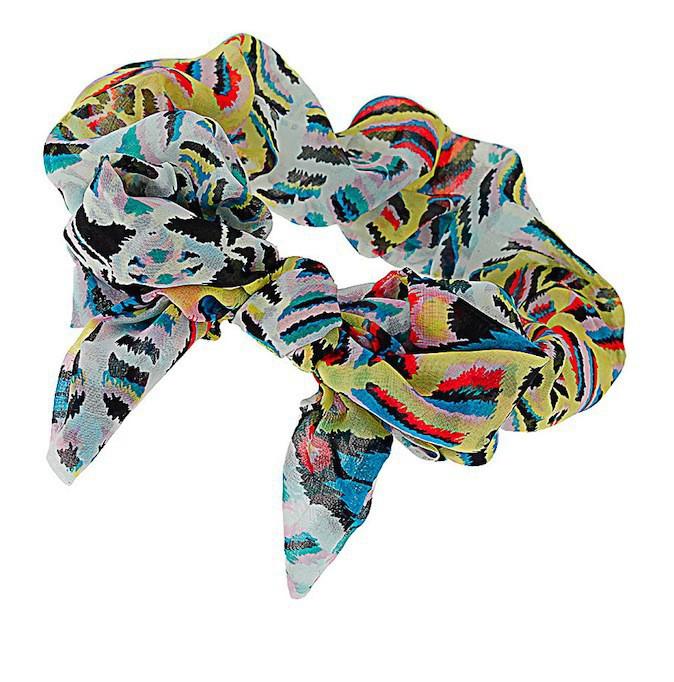 Un bandeau multicolore Topshop (13€) qui donnera fière allure à vous cheveux