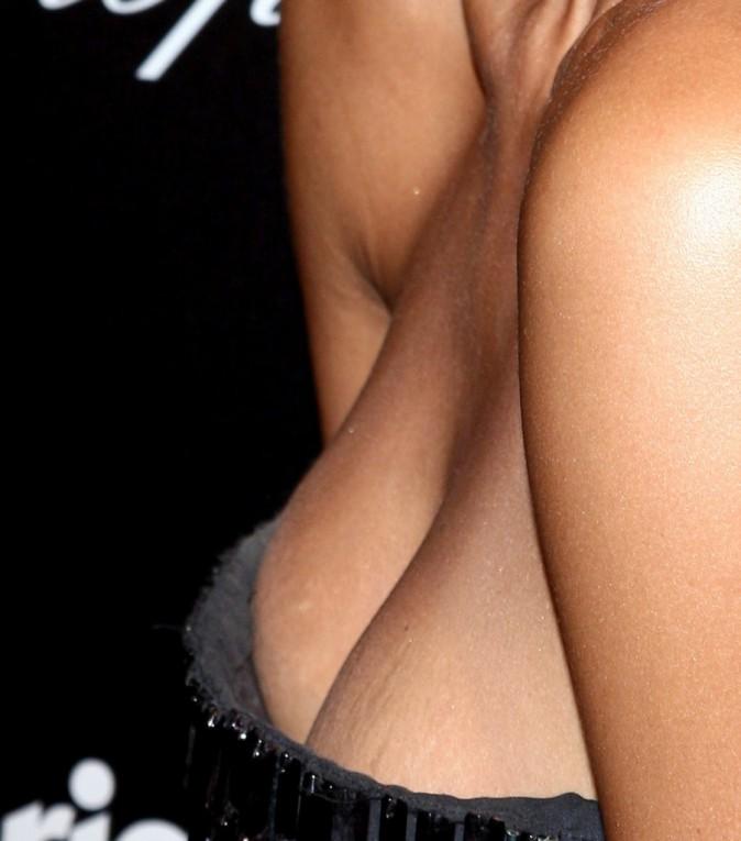 Les seins de Jessica Alba