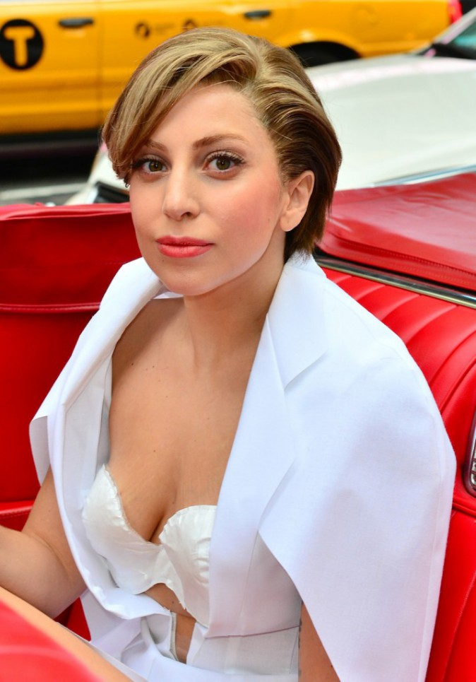 Les seins de Lady Gaga