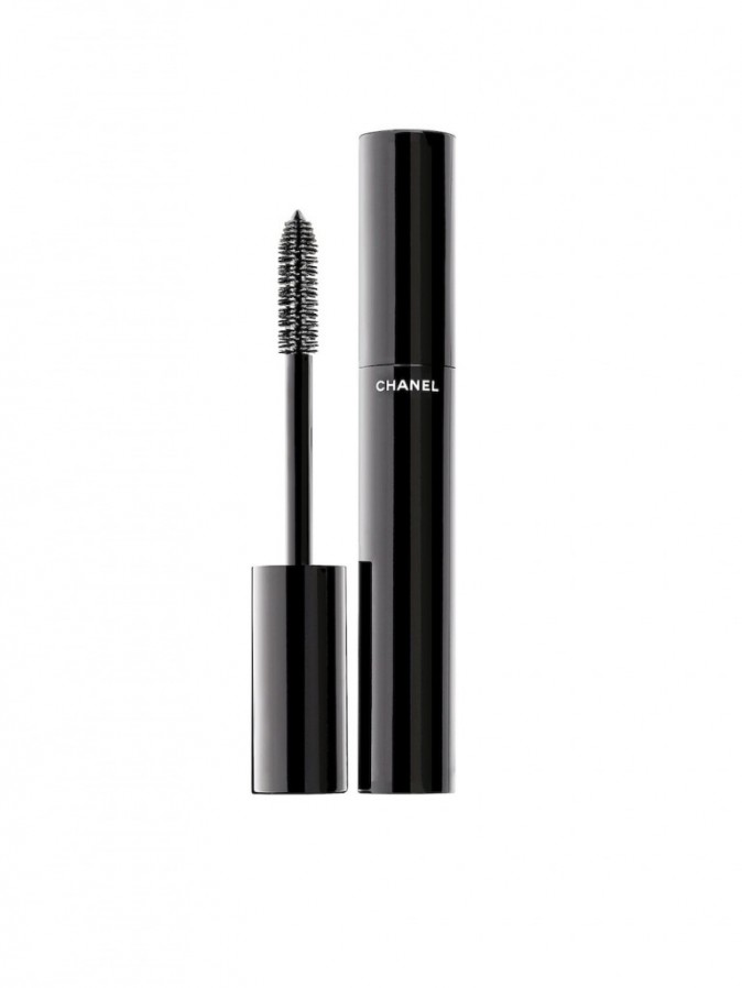 Mascara noir, le Volume, Chanel, 30,50 euros