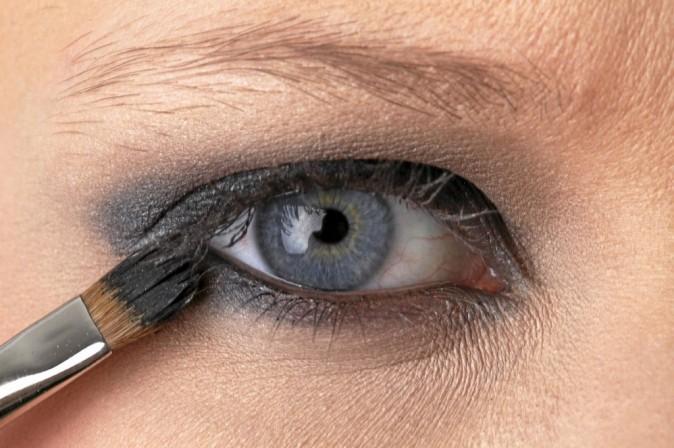 maquillage de star mode d 39 emploi du make up 80 s de camilla belle. Black Bedroom Furniture Sets. Home Design Ideas