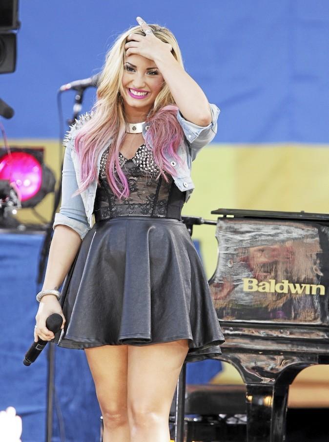 Demi Lovato a craqué pour le tie & dye !