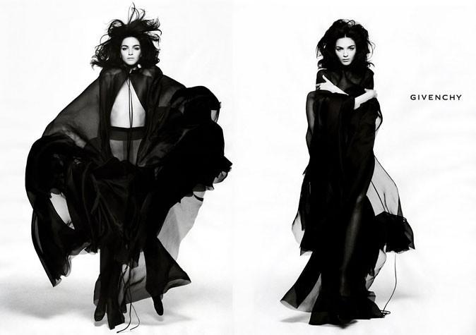 Mariacarla Boscono pour Givenchy