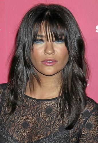 Adoptez la tendance glitter dans votre make-up comme Jessica Szohr !