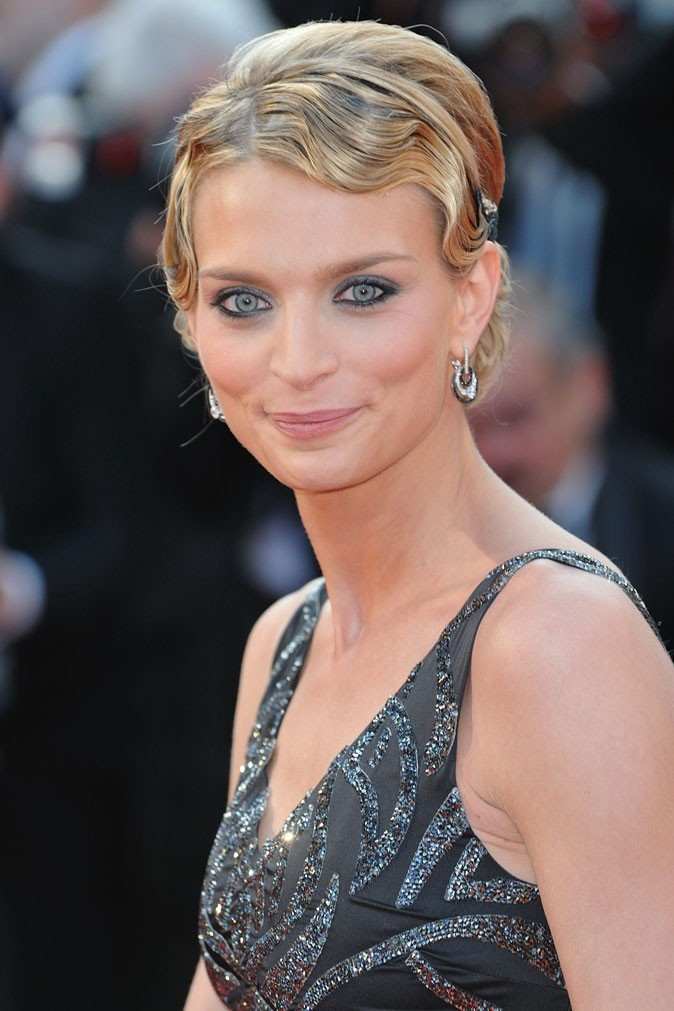 Festival de Cannes 2011 : la coiffure wet look de Sarah Marshall en 2010 !