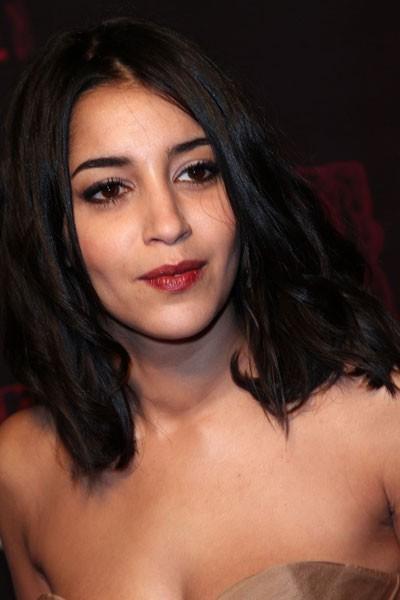 Coiffure César 2011 : les anglaises dans les cheveux de Leïla Bekhti