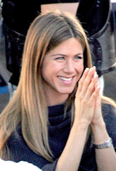 Jennifer Aniston : ses cheveux longs lissés en octobre 2004