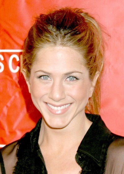 Jennifer Aniston : une coiffure queue de cheval en mars 2006