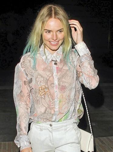 Cheveux bleu Schtroumpfette : Kate Bosworth