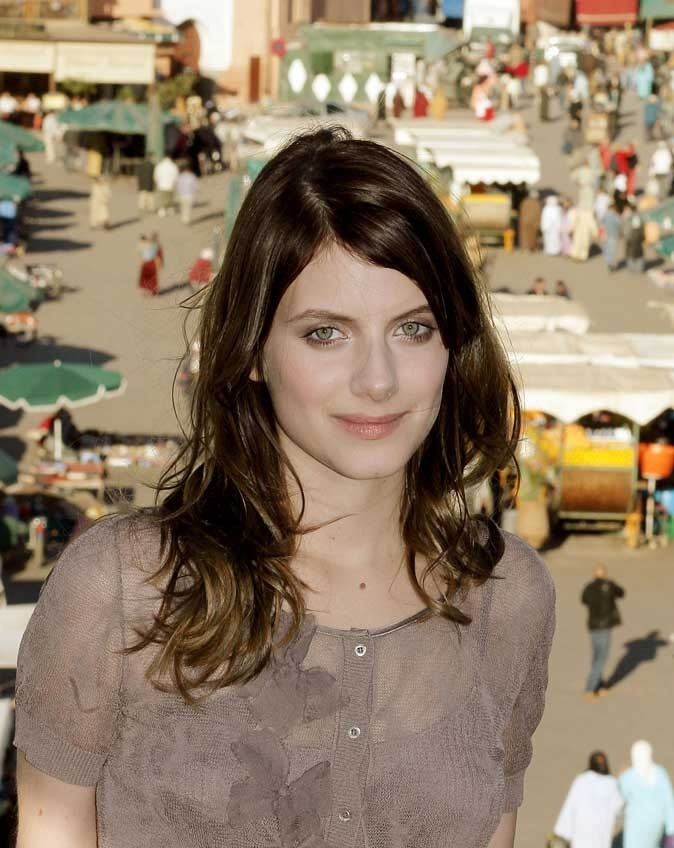 Star brune : les cheveux marron chocolat de Mélanie Laurent