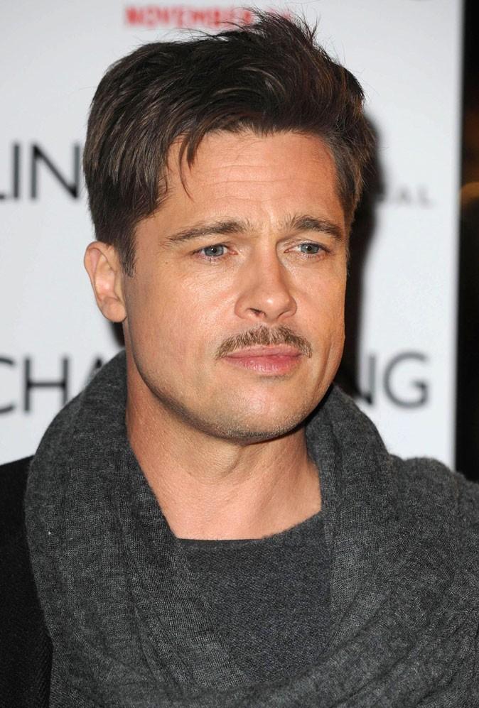 Barbe de Brad Pitt :  la moustache courte en 2008