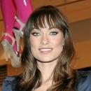 Coiffure de star printemps-été 2011 : la frange d'Olivia Wilde