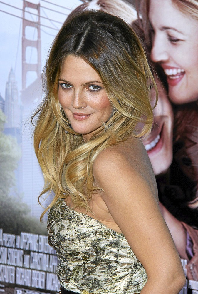 coloration cheveux le balayage tie dye tendance printemps t 2011 de drew barrymore. Black Bedroom Furniture Sets. Home Design Ideas