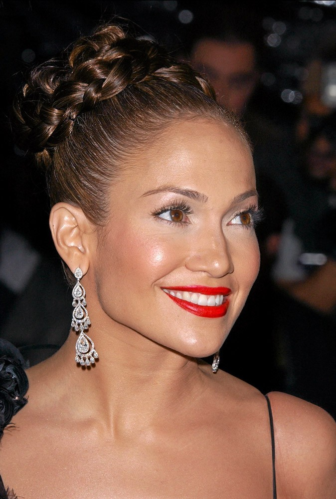 Coiffure de star : le chignon tresse de Jennifer Lopez en 2004 !