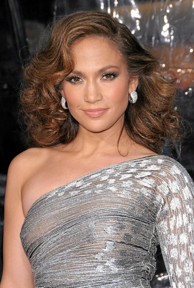 Coiffure de star : les ondulations rétro de Jennifer Lopez en 2010 !
