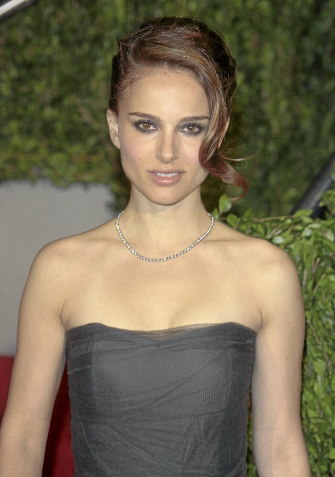 Coiffure de star : le chignon femme fatale de Natalie Portman en 2010