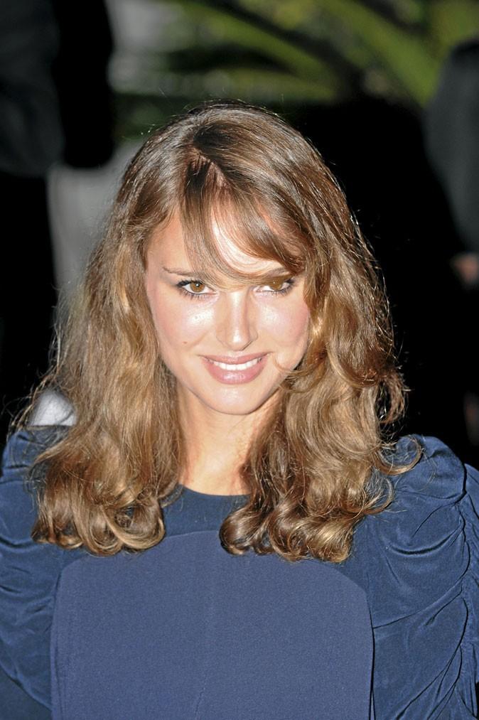 Coiffure de star : les cheveux naturels de Natalie Portman en 2008