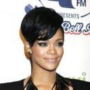 Coiffure de star : le brushing gonflé sur cheveux courts de Rihanna en 2008