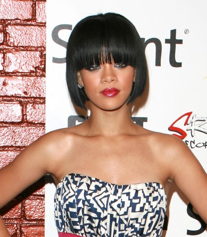 Coiffure de star : le carré avec frange de Rihanna en 2007