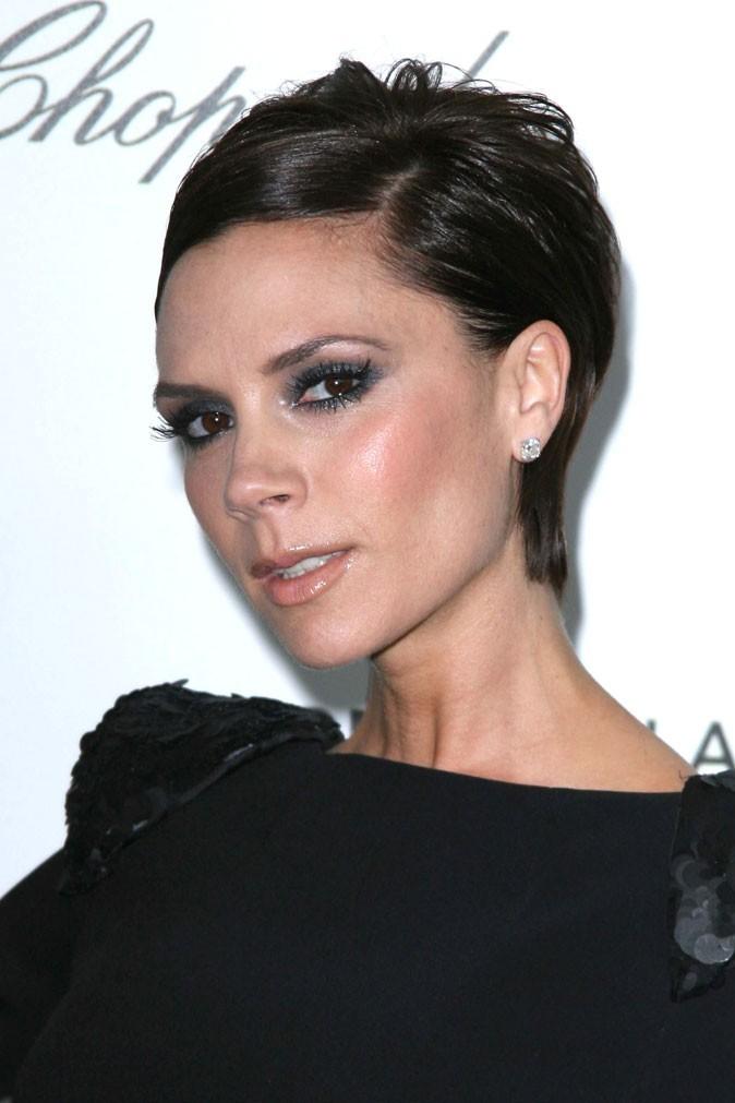 Les cheveux courts plaqués de Victoria Beckham en 2009 !