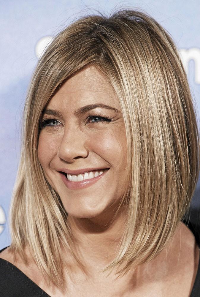 Coiffure de star printemps-été 2011 : le néo carré de Jennifer Aniston