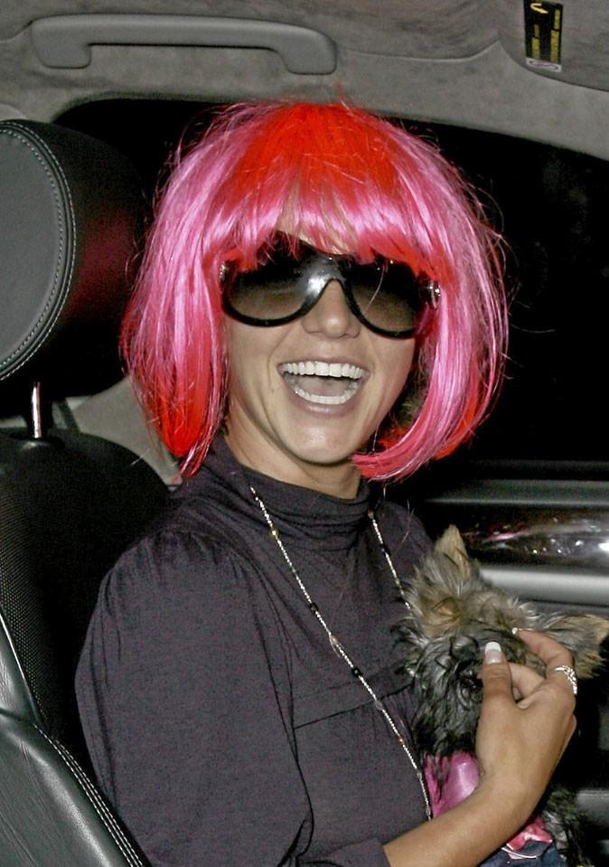 Coiffure de star : la perruque rose de Britney Spears en 2007