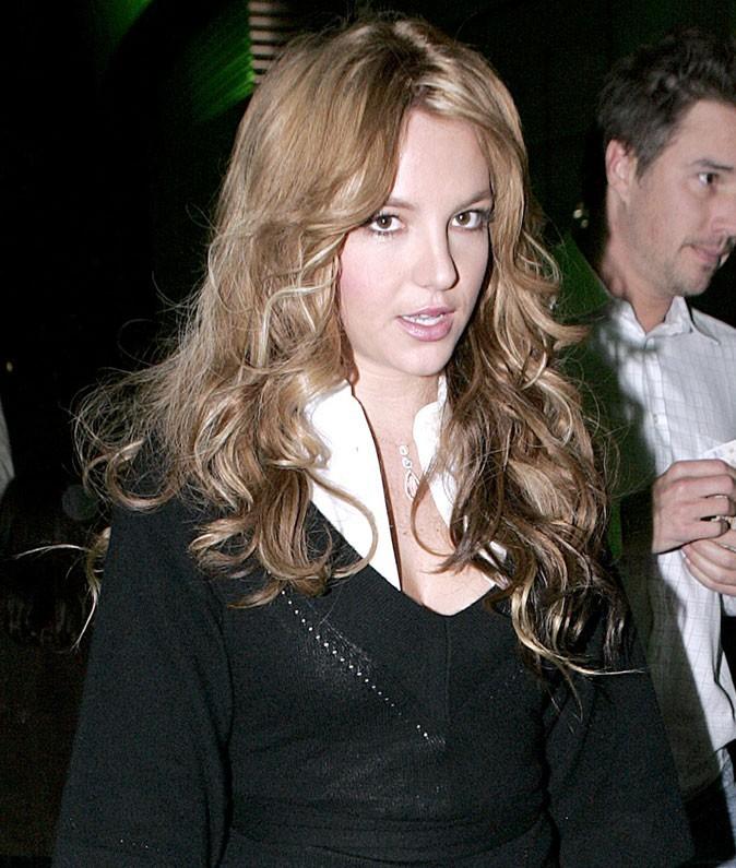 Coiffure de star : les cheveux naturels de Britney Spears en 2006