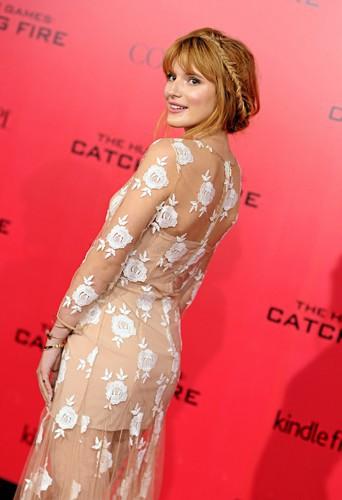 Devenez la reine de la soirée comme Bella Thorne avec la couronne de tresse !