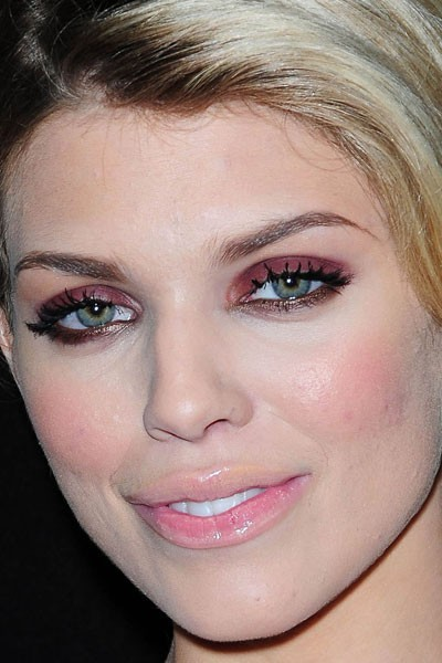Maquillage de star : le make-up bordeaux d'AnnaLynne McCord