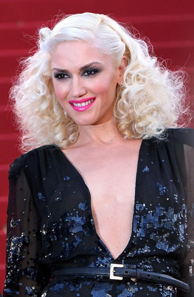 Coiffure de star : les cheveux blond blanc de Gwen Stefani