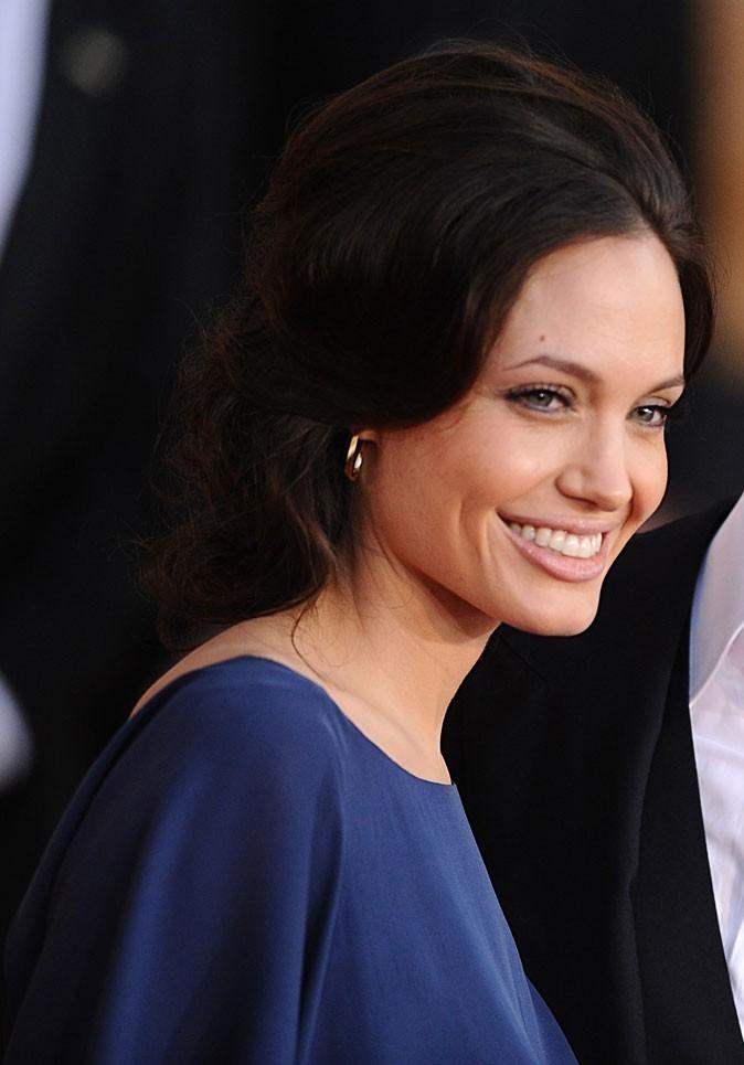 Angelina Jolie : un chignon gonflé en 2009