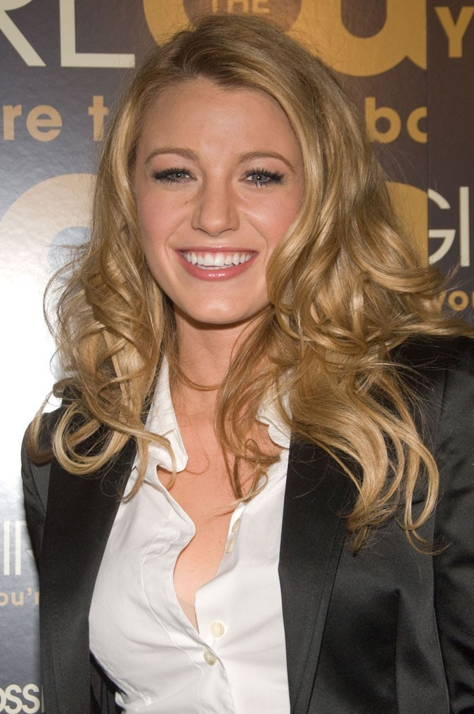 Les cheveux blonds wavy de Blake Lively en Septembre 2007 !