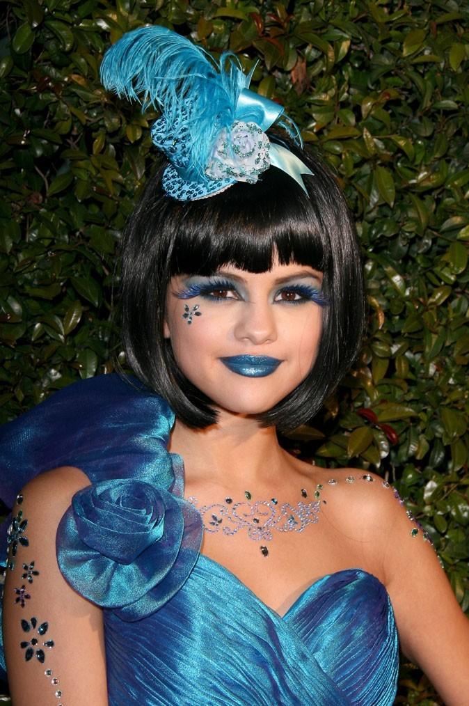 Coiffure de Selena Gomez en mars 2011 : une perruque courte