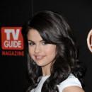 Coiffure de Selena Gomez en novembre 2009 : des longs cheveux bouclés