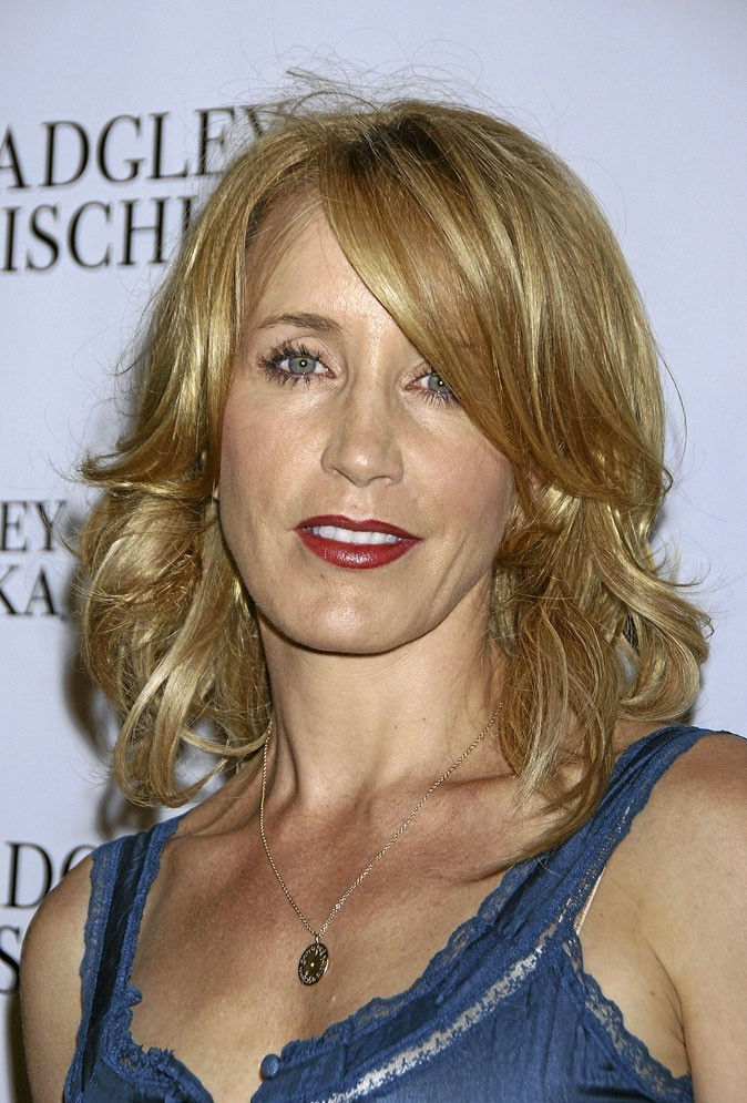 Coiffures des Desperate Housewives : un brushing wavy pour Felicity Huffman