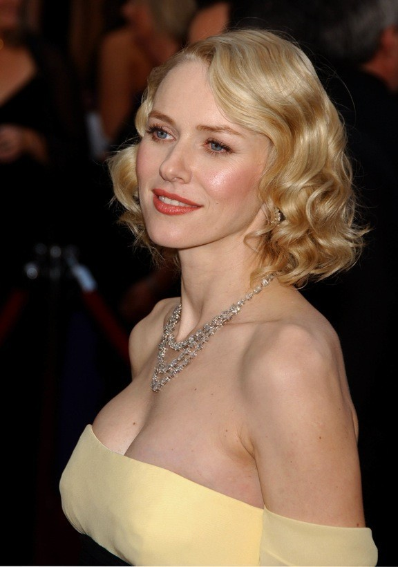 Naomi Watts et son carré 50's