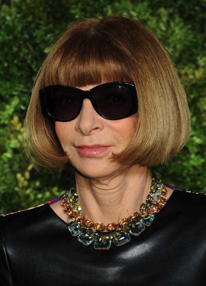 Anna Wintour : La diablesse de la mode règne en maître avec son désormais culte carré court à frange.