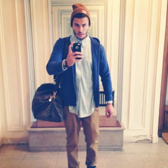 Coiffures de stars : Focus sur le look bonnet de Baptiste Giabiconi !