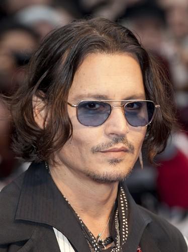 Johnny s'il a pas les cheveux gras il sort pas !