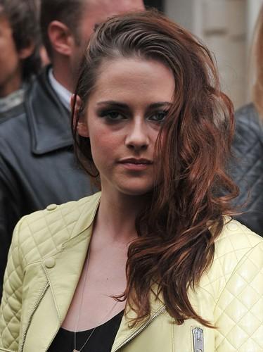 Kristen a les cheveux gras !