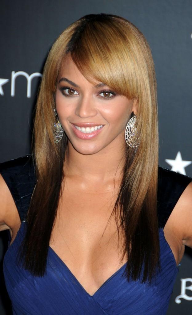 Les cheveux lisses et blonds de Beyoncé en Février 2010 !