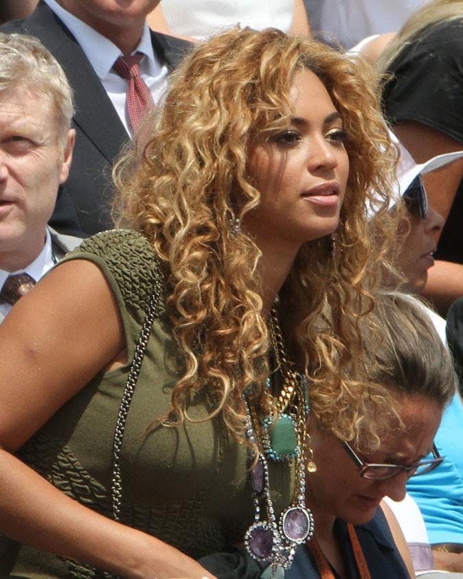 Les cheveux ondulés de Beyoncé en Juin 2010 !