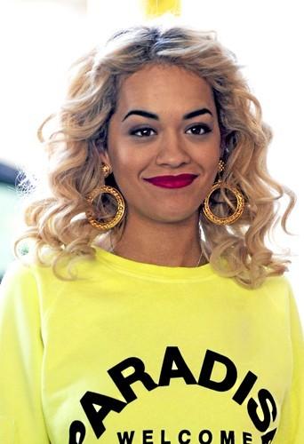 Rita Ora : Le bouclé racines !